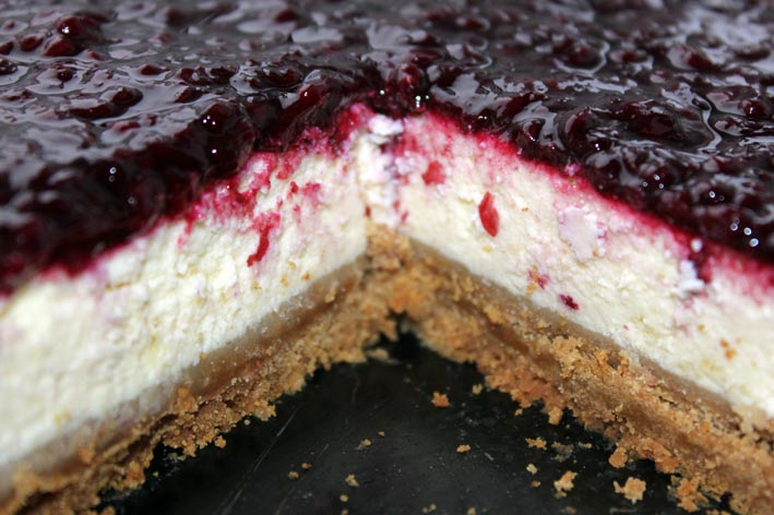 cheesecake with home-made blackberry jam