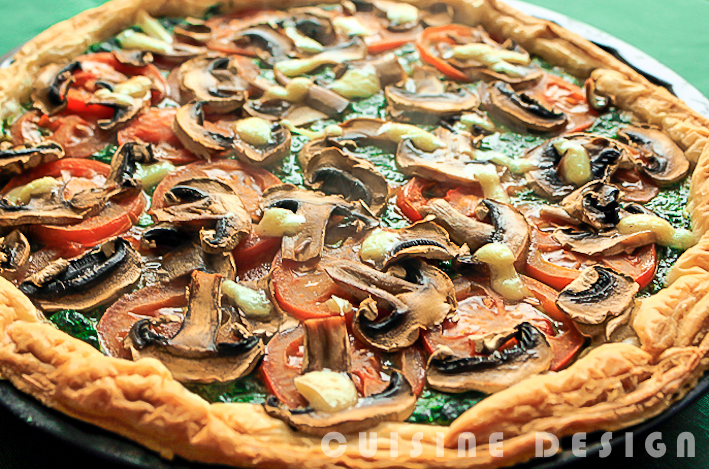 Spinach, tomato and mushroom quiche