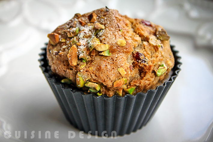 Spiced pistacho & cranberry muffins